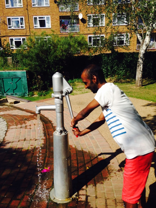 pumping iron in a vauxhall park - www.scavengerhunts.london