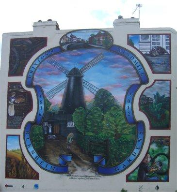 windmill mural, photo by Juliamaud