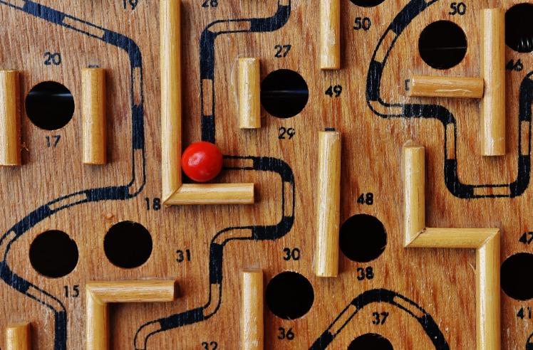 labyrinth-1738043_1920
