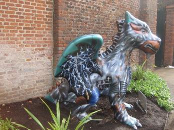 Scraps the dragon - photo by Juliamaud