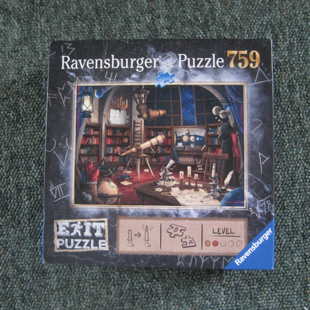 Ravensburger Exit Puzzle - photo by Juliamaud
