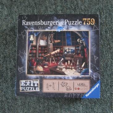 Ravensburger Exit Puzzle - photo by Juliamaud